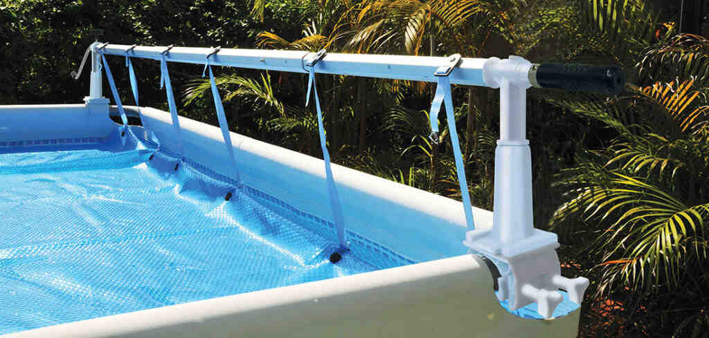 Comment nettoyer le fond d'une piscine Intex?